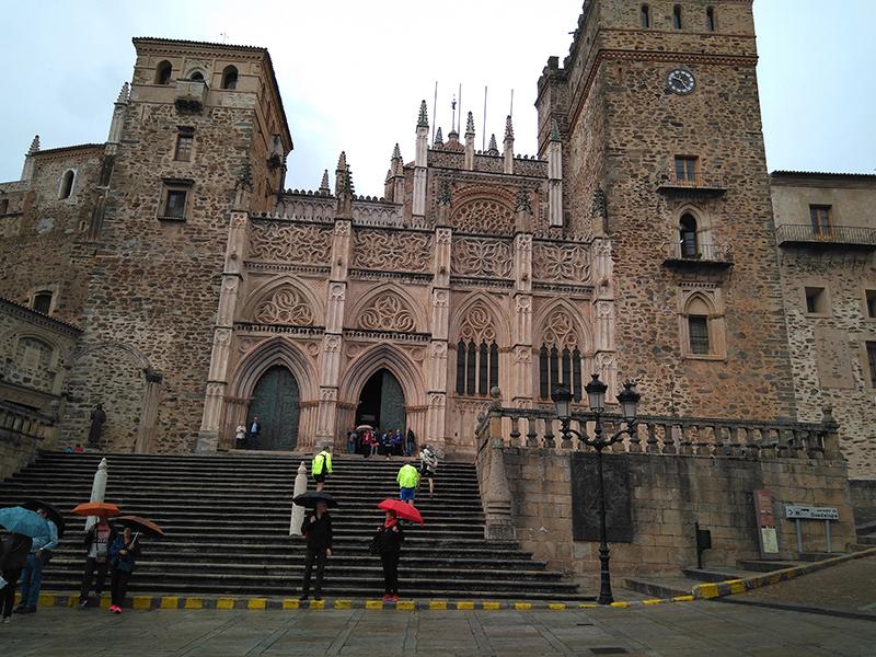 51 Visita al Monasterio.jpg