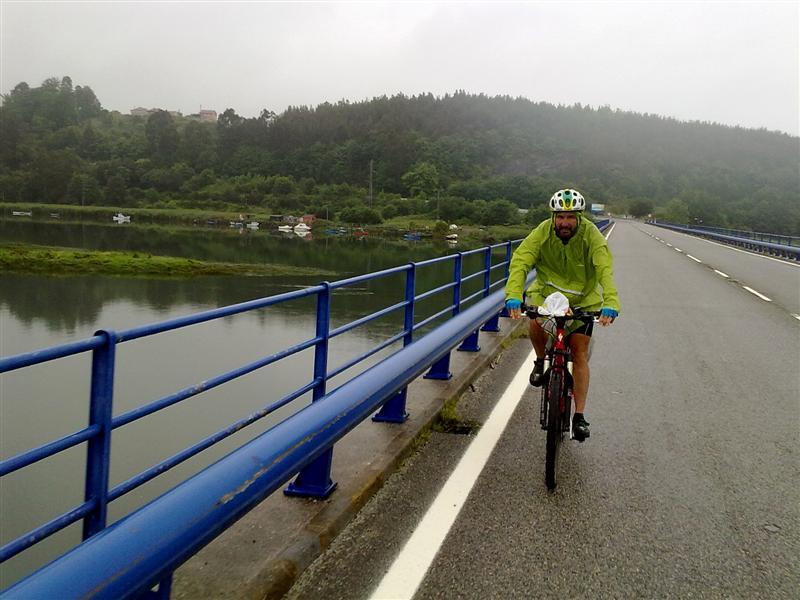 247-bajo-la-lluvia